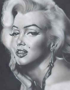 Classic - a striking boxed canvas of Marilyn Monroe from the new Timeless collection by Temper.