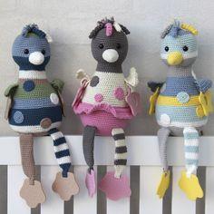 Sansefugle fra Go Handmade - Alex Crochet Animals, Crochet Toys, Knit Crochet, Amigurumi Toys, Softies, Baby Knitting Patterns, Crochet Patterns, Mobiles, Crochet Chicken