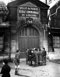 Primary School, Paris, by Fred Stein Old Paris, Vintage Paris, French Vintage, Famous Photographers, Street Photographers, Vintage Photographs, Vintage Photos, Paris Ville, Vintage School