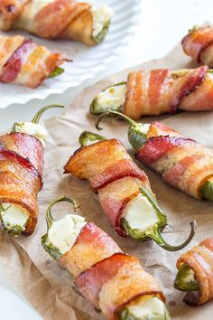 Bacon wrapped jalapeno poppers with just 3 ingredients! Simple, delicious and incredibly addicting snack for any occasion! Heavy Appetizers, Bite Size Appetizers, Bacon Appetizers, Appetizers For Party, Appetizer Recipes, Delicious Appetizers, Appetizer Ideas, Christmas Appetizers, Yummy Food