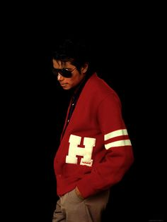 Woaow! Very rare pic of MJ.