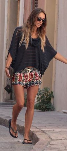 flattering print shorts + black top