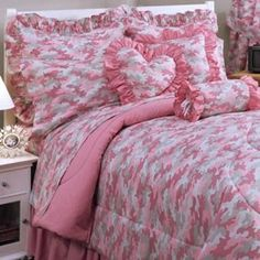 Pink Camo Bedroom Sets - Modern bedroom sets aren't for everyone, yet chances are great you love modern bedroom sets if you h Pink Camo Bedroom, Pink Bedrooms, Bedroom Sets, Bedroom Decor, Modern Bedroom, Kids Bedroom, Wall Decor, Camo Bedding, Pink Bedding