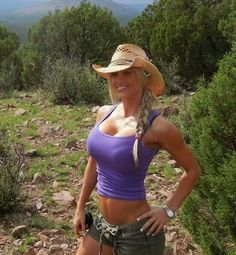 Sexy country girls in camo, cowboy boots, and sexy outfits : theCHIVE Sexy Cowgirl, Cowgirl Photo, Cowgirl Baby, Hot Girls, Hot Country Girls, Girls Fit, Country Strong, Country Women, Skinny Girls