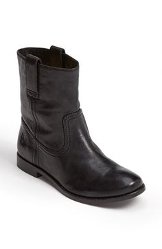Free shipping and returns on Frye 'Anna - Shortie' Leather Boot (Women) at Nordstrom.com. A streamlined silhouette sets off the beautifully burnished leather of a top-stitched mid-calf boot with timeless appeal. A cushioned footbed ups the ante, lending extra comfort to great style. Bench-crafted by hand, Frye's 150-year-old heritage of quality leatherwork is evident in every style.