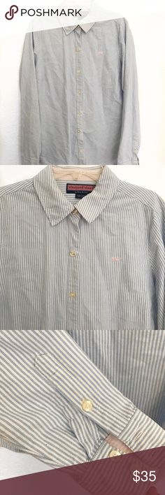 Vineyard Vines Striped button down Vineyard Vines Striped button up white/ blue excellent condition. No stains or holes. Vineyard Vines Shirts Casual Button Down Shirts