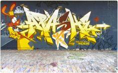 https://flic.kr/p/THnBDF | APASHE | Montreal QC 2017  www.apashoner.com  www.pinterest.com/apashegraffiti/