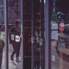 Deixamos a porta entreaberta para que nos visite. Ainda tem tempo de passar por cá. #tavi #foz #porto