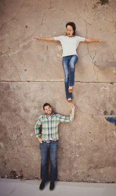 ♥♥♥ 10 ideias de fotos de noivado ou pré-wedding As fotos de noivado ou pré-wedding são uma ótima maneira de anunciar seu casório e até mesmo decorar o casamento ou sua nova casinha. Elas são s... http://www.casareumbarato.com.br/10-fotos-de-noivado-pre-wedding/