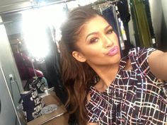 "Elizabeth Denton on Twitter: ""It's better to just let the master work @/Zendaya #selfie BTS @/MaterialGirl"""