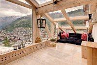 The Heinz Julen Penthouse in Zermatt sleeps 8 guests in 4 bedrooms. This Zermatt chalet is an extraordinary architect designed double level penthouse. Interior Exterior, Interior Architecture, Modern Interior, Amazing Architecture, Interior Ideas, Villa Interior, Interior Decorating, Interior Office, Diy Decorating