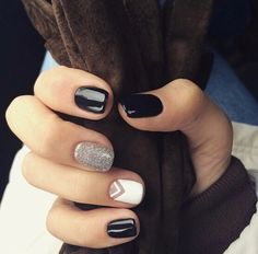 Black and silver - nails Cute Acrylic Nails, Cute Nails, Pretty Nails, Classy Nails, Stylish Nails, Perfect Nails, Gorgeous Nails, Nail Art Vernis, Nagellack Trends