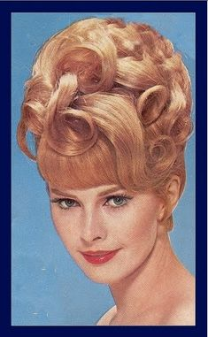 Beehive Hairstyle...she always looked great.                                                                                                                                                                                 Mais