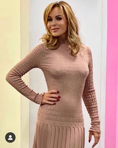 Curvy Outfits, Sexy Outfits, Fashion Outfits, Amanda Holden, Gorgeous Blonde, Sexy Older Women, Fashion Images, Athletic Women, Gorgeous Women