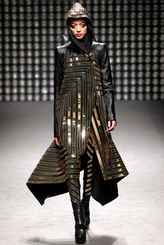 Gareth-Pugh-Fall-Winter-2011