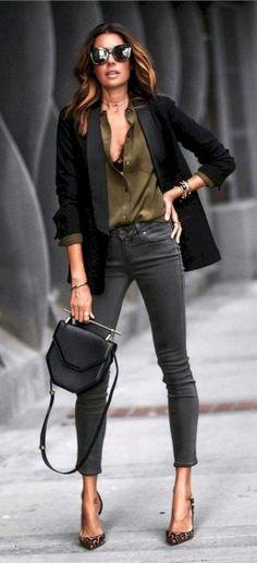 36 The Best Blazer Outfits Ideas For Women Die besten Outfit-Ideen für Frauen 36 Fashion Mode, Look Fashion, Street Fashion, Fashion Trends, Womens Fashion, Trendy Fashion, Fashion Ideas, Fashion Outfits, Dress Fashion