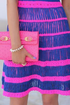 blue-nanette-lepore-dress-hot-pink-rebecca-minkoff-bag-white-tibi-heels_400_large.jpg (400×600)