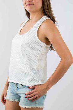 Mujer – www.urbanwear.co Blusa - Champleve @vane9329 Model @gallegoedison Photographer
