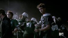 Teen Wolf One Shots über Isaac Lahey Jackson Whittmore Stiles Stilin… Fan-Fiction Teen Wolf 4, Teen Wolf Seasons, Fanfiction, Movie Tv, Jackson, It Cast, Concert, Books, Fictional Characters