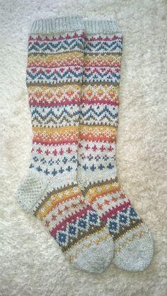 Fair Isle Socks by ippu's kirjoneulesukat on Ravelry . Crochet Socks, Knit Or Crochet, Knitting Socks, Hand Knitting, Knitting Patterns, Crochet Patterns, Fair Isle Knitting, Knitting Accessories, Christmas Knitting