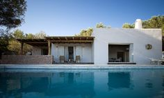 Villa can Stanga Formentera Holiday Rentals & Accommodation Exterior Design, Interior And Exterior, Villas, Casa Top, Ibiza Formentera, Greek House, Spanish House, Luxury Villa, Beach House