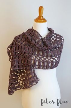 Ravelry: Raspberry Tweed Shawl pattern by Fiber Flux / Jennifer Dickerson Crochet Shawls And Wraps, Crochet Scarves, Crochet Hats, Knit Shawls, Shawl Patterns, Ombre Yarn, Crochet Magazine, Tweed, Shawl