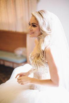 All-White Modern Hollywood Wedding Wedding Hair And Makeup, Bridal Hair, Hollywood Wedding, Makeup Salon, Headpiece Wedding, Wedding Inspiration, Wedding Ideas, Wedding Fun, Summer Wedding