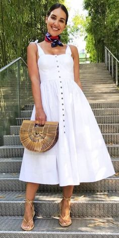 The Most Popular Genious Street Style Ideas To Try Right Now cute summer outfit bag + dress The Best of fashion trends in Cute Summer Outfits, Spring Outfits, Cool Outfits, Cookout Outfit, White Dress Fall, Fall Fashion Outfits, Womens Fashion, Style Work, Elegantes Outfit