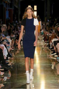 Alex Perry Ready-To-Wear S/S Runway gallery - Vogue Australia Runway Fashion, Fashion Show, Alex Perry, Gisele Bundchen, Vogue Australia, Australian Fashion, Spring Summer, Summer 2014, Ready To Wear