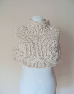 Chunky knitted capelet   knit capelet  poncho  di piccolibijoux