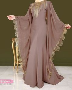 Image gallery – Page 782641241472995931 – Artofit Stylish Dress Designs, Stylish Dresses, Modest Dresses, Islamic Fashion, Muslim Fashion, Indian Gowns Dresses, Evening Dresses, Indian Designer Outfits, Designer Dresses