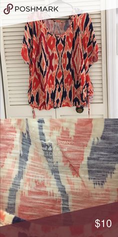 Layne Bryant Ikat T-shirt with drawstring rouching Ladies this is a great top for jeans don't miss out size 26/28 Lane Bryant Tops