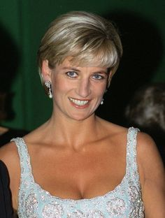 Princess Diana, Style Icon: See 13 Photos of the Natural Beauty - Princess Diana-Wmag