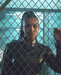 Tabitha Galavan on Gotham played by Jessica Lucas (gif) Gotham Girls, Gotham City, Jessica Lucas, Hollywood Actresses, Actors & Actresses, Fish Mooney, Mafia Crime, Altered Carbon, Dc Universe