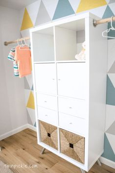 Most recent Pics Twin boys & # Wardrobe - a hack of IKEA KALLAX - # . Popular The IKEA Kallax series Storage furniture is an important section of any home. Diy Ikea Kallax, Ikea Trofast Regal, Ikea Kallax Series, Ikea Kallax Nursery, Kallax Hacks, Ikea Closet Hack, Ikea Hack Storage, Closet Hacks, Closet Organization