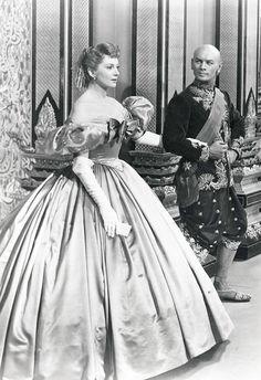 Deborah Kerr and Yul Brynner in 'The King & I', 1956.