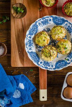 Muffiny jajeczne z łososiem Avocado Toast, Serving Bowls, Appetizers, Favorite Recipes, Breakfast, Tableware, Food, Morning Coffee, Dinnerware