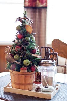~ Vintage Kitchen Utensil Christmas Tree ~