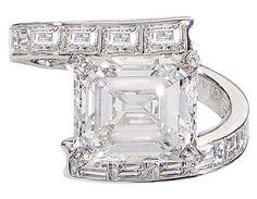 Diamond Rings : Bridal Chaumet   Dentelle de Givre ring
