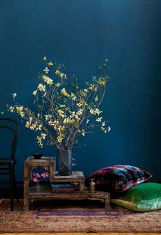 These colours let my heart soar...      http://decoratorsnotebook.files.wordpress.com/2011/11/teal-wall-via-desire-to-inspire.jpg