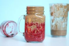 Coffee, Chocolate, Oats, Fruit a breakfast smoothie that's essentially an entire breakfast in one sip. This recipe is vegan and gluten free. Chocolate Oats, Create A Recipe, What's Cooking, What To Cook, Meals For The Week, Mocha, Smoothie, Mason Jars, Treats