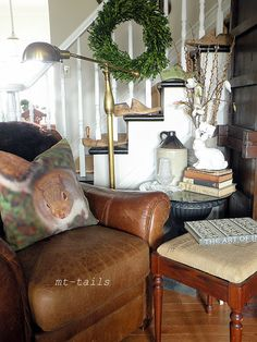 MT-Tails: squirrel pillow and spring vignette
