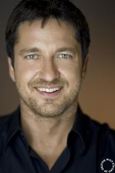 Gerard Butler: NYC photo call - Regency Hotel - August 22, 2009