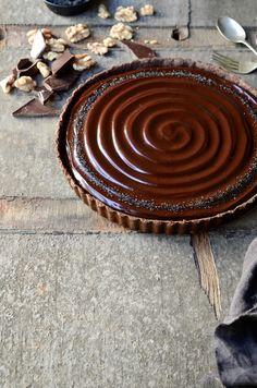 No-bake caramel walnut chocolate tart