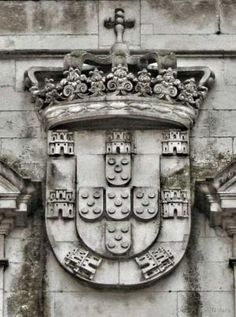 Portuguese Coat of Arms Portuguese Tattoo, History Of Portugal, Portuguese Culture, Cultural Architecture, Azores, Family Crest, My Heritage, Coat Of Arms, Lisbon