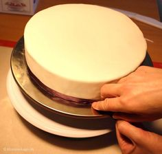 How to attach silk ribbon fondant cake