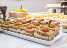 Receita para uma tarde de chá: sanduíche de pão preto com ricota. Receita do Chá da Tarde do Plaza são Rafael. #receita #sanduíche #ricota #integral
