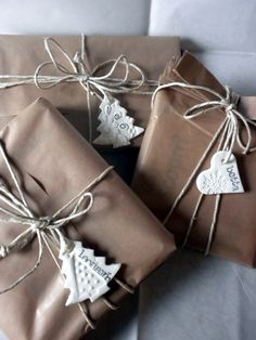 Beautiful gift wrapping with kraft paper ♥