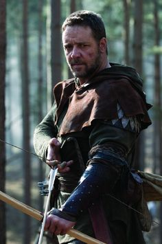 Russell Crowe as Robin Hood shows courage, chivalry, and a devious nature I don't think even he would like to admit.  I like the way Robin Hood is portrayed by this actor.