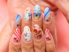 AyayanさんはInstagramを利用しています:「35周年おめでとう 右手はミニーちゃんのお衣装の感じ 左手はミッキーのお衣装の感じ #tokyodisneyland #disneynails #nail #ディズニーネイル #ドリーミングアップ #ミッキーネイル #ミニーネイル #ハピエストセレブレーション」